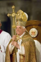 Pope Benedict in his Hierophant pose
